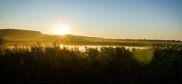 Heldere zonsopkomst Rietputten Vlaardingen von Maurice Verschuur
