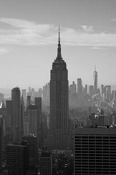 New York Skyline Schwarzweißes Empire State Building von Kiki Multem