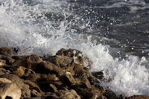 Opspattende golven