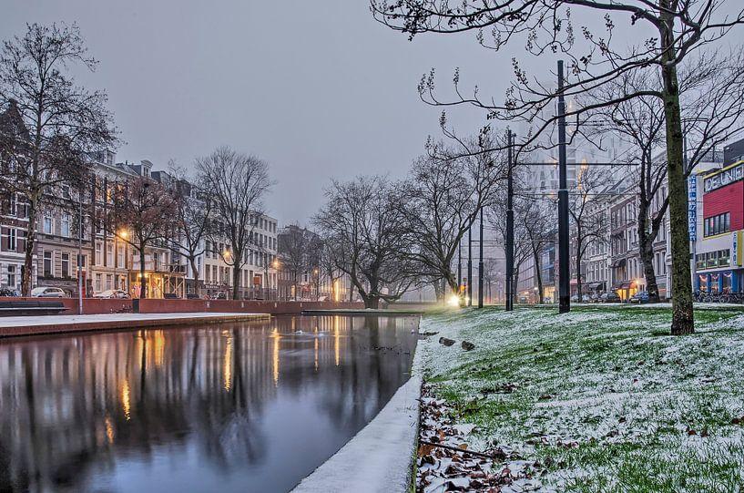 De winter viel op een zondagmorgen van Frans Blok