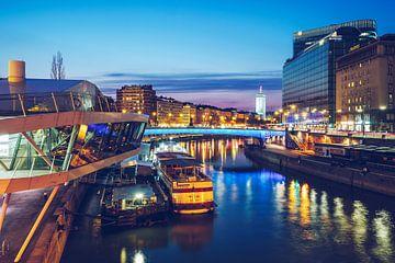 Vienna – Donaukanal / Franz-Josefs-Kai. van