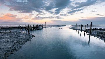Zonsondergang bij het haventje van Sil (Texel) van Bep van Pelt- Verkuil