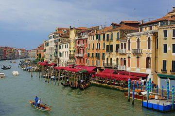 Canal Grande in Venetië, Italië van Michel van Kooten