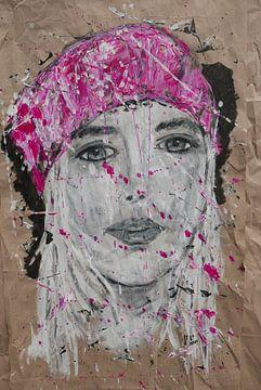 Portret vrouw in roze van jolanda verduin