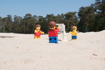 Lars maakt foto van beachvolleybal van Ilze de Meer