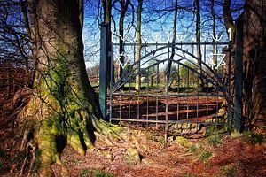 De stilte achter het hek