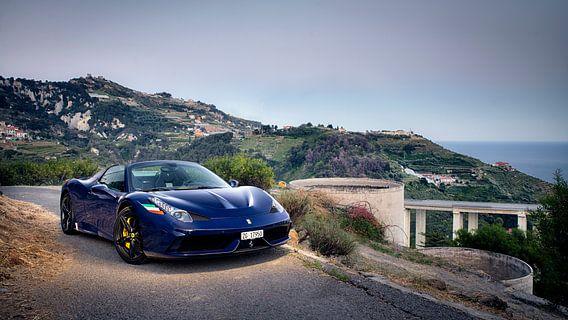 Ferrari 458 Aperta in de bergen bij Monaco