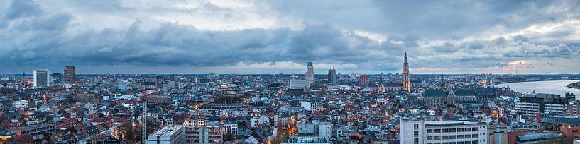 Panorama Antwerpen bij Avond van Frenk Volt