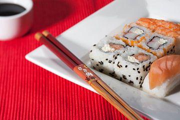 Sfeervolle opname van sushi van Henny Brouwers