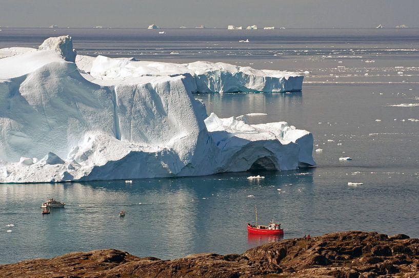 Boten voor gigantische ijsbergen van Reinhard  Pantke