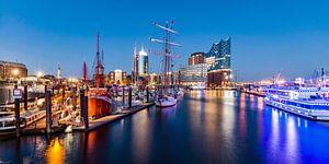 Port of Hamburg with the Elbphilharmonie at HafenCity quarter