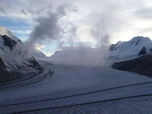 Aletschgletsjer in Zwitserland bij zonsondergang