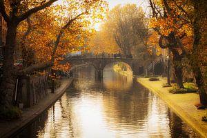 Herfst in Utrecht, De Geertebrug over de (G)Oudegracht in Utrecht in het herfstlicht