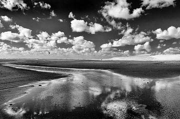 Wolkenlucht op de Maasvlakte von Peter Hofwegen