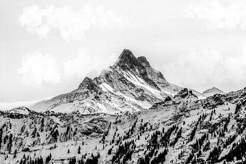 Schwarz-Weiß Berge in der Schweiz van Felix Brönnimann
