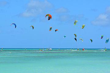 Kite surfen van Ron Steens