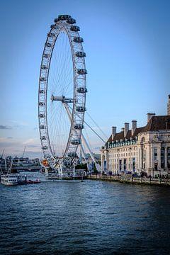 The London Eye aan de Theems in Londen | Straatfotografie van Diana van Neck Photography