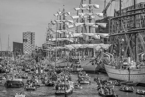 Sail Amsterdam 2015 in zwart- wit