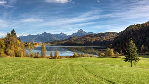 Weissensee near Füssen in Allgäu van Michael Valjak