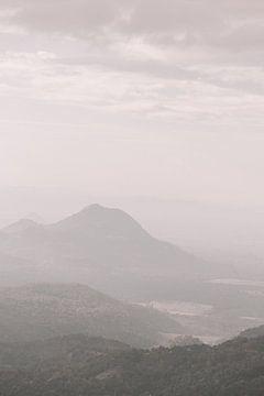 Uitzicht vanaf de Little Adams Peak in Ella, Sri Lanla