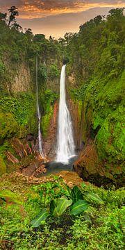 Catarata del Toro waterval in Costa Rica van Markus Lange