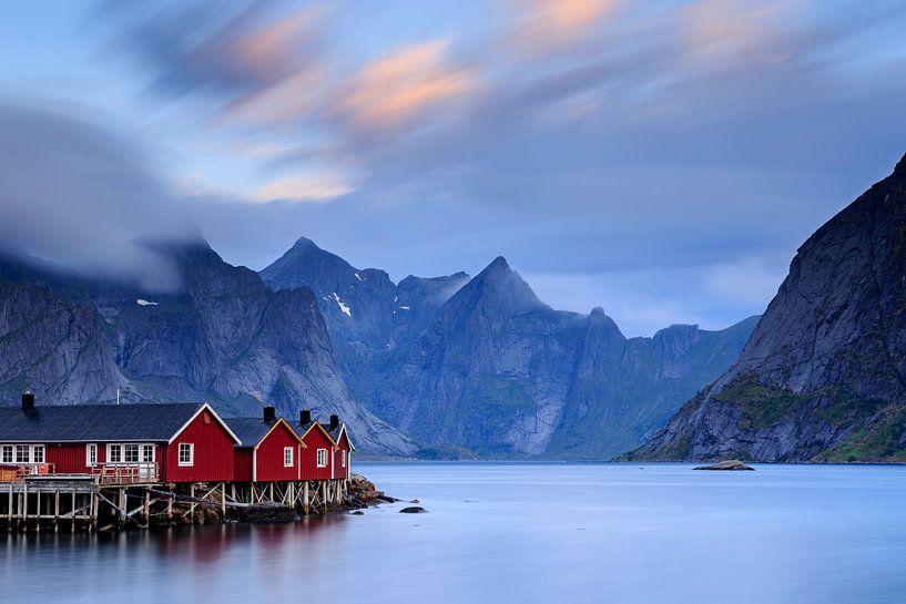 Vissershuisjes in de Lofoten van Sven Broeckx