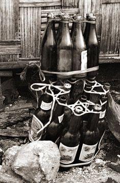 Bottles - Analoge Fotografie! von Tom River Art