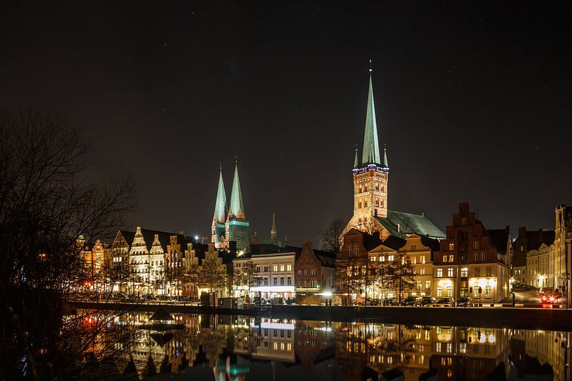 Lübeck bei Nacht van Werner Reins