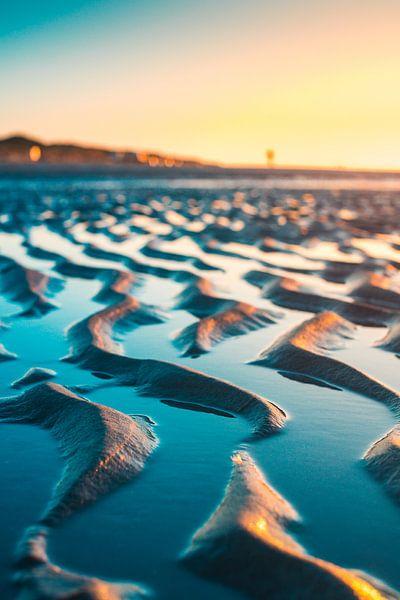 Laag water strand 2 van Andy Troy