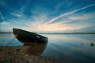 Stilte aan het water van Jos van de Pas