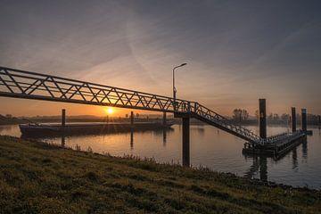 Zonsopkomst binnenvaartschip overnachtingshaven von Moetwil en van Dijk - Fotografie