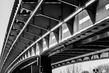 schwarz-weiße John-Frost-Brücke, Arnheim von Patrick Verhoef