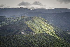 Bergpas op Sao Miguel, Azoren van