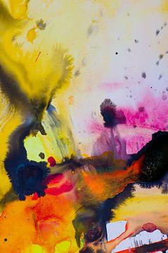 Macrofotografie Acryl Pouring Geel zwart roze en rood van Edith Lüthi