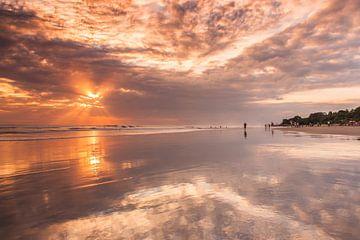 Bali sunset sur Ilya Korzelius