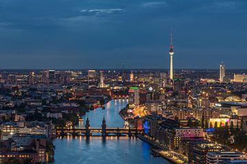 Berlijn bij nacht van Robin Oelschlegel
