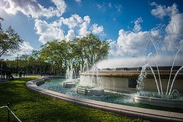 Fontaine magique de Barcelone sur Imad Daakour