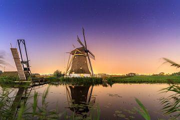 Hollandse molen nachtelijke reflectie von Dennis van de Water