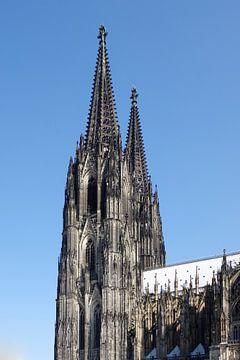 De torens van de Dom van Keulen uit het zuidoosten van Berthold Werner