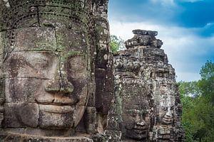 Boeddha's op een rij, Bayon, Cambodja van
