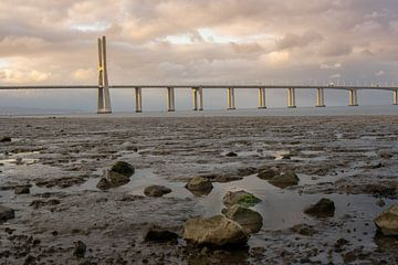 Vasco da Gama brug, Lisboa, Portugal van Jeroen Somers
