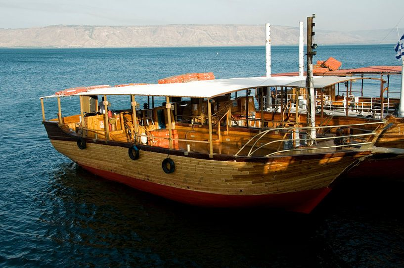 boat on the lake of Tiberias sur ChrisWillemsen