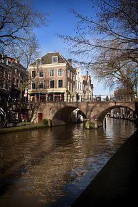 De Gaardbrug over de Oudegracht in Utrecht van