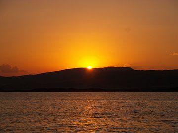 Zonsondergang Todurge meer van Veli Aydin