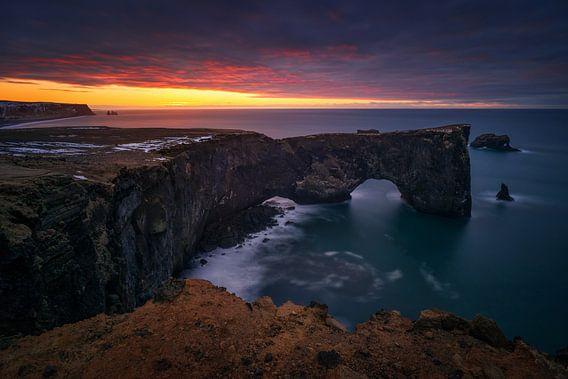 Dyrholaey sunrise van Wojciech Kruczynski