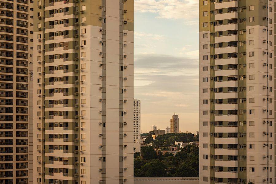 Appartementen in Cuiaba, Brazilie van Leon Doorn