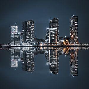 Skyline van Rotterdam Reflectie in het water van vedar cvetanovic
