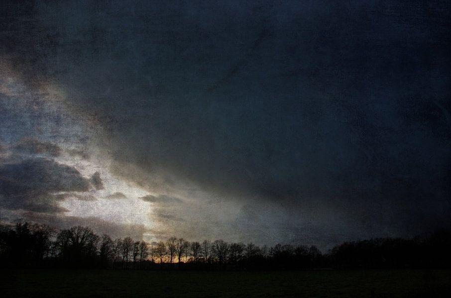 The nearing dark