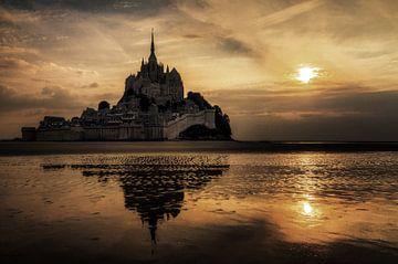 Dunkler Mont Saint-Michel von Dennis van de Water