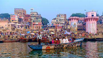 Boottocht op de Ganges (Varanasi) van Patrick Lauwers
